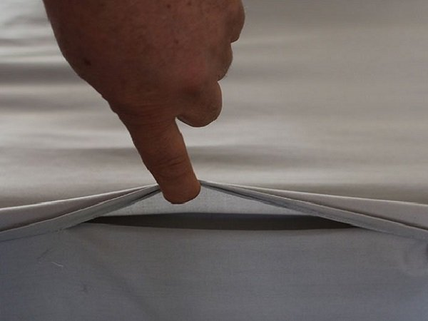 Zip Sheets Ventilation at Foot End